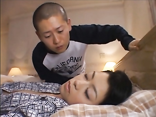 Horny asian cadger discontinuous his friend